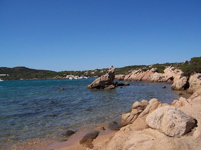 Turismo, la Sardegna conquista otto Bandiere Blu
